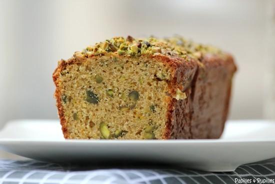 Cake-aux-pistaches-huile-d-olive-et-zeste-d-oranges-Gros-plan.201112220820