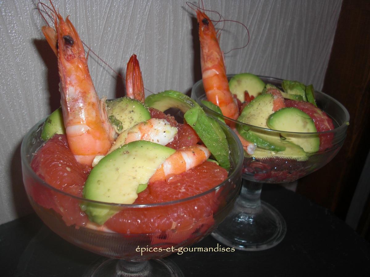 coupe-de-crevettes-a-l-avocat-et-pomelos-CIMG6711--2-.201210823476