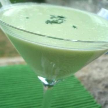soupe-glacee-de-concombre-2201028_1350.201282813337